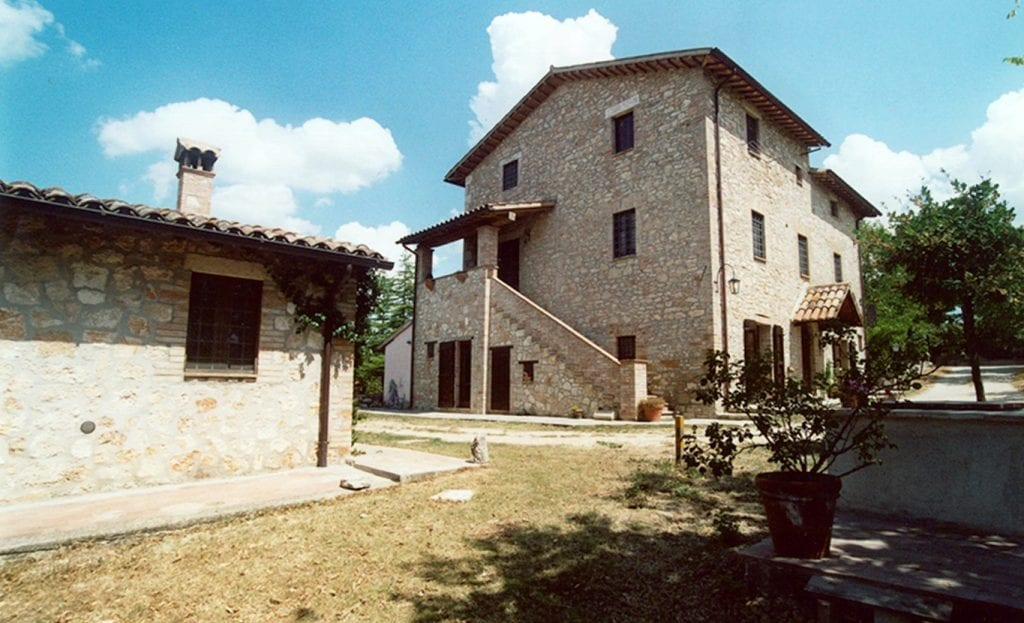 Old farmhouse of poggio todi antonini partners real